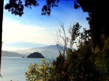 View of the ocean islands & hills of San Francisco coastline — Vídeo de Stock