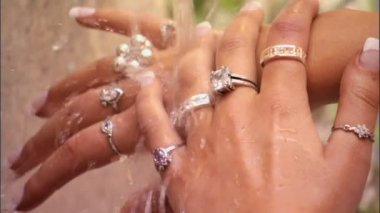 Beautiful hands & jewellery — Vídeo de stock