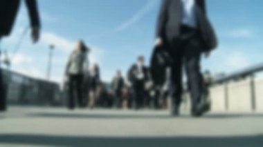 City business commuters in blurred & slow motion — Stock Video
