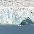 Jokulsarlon glacier slowly melting into the lake through global warming — Stock Video