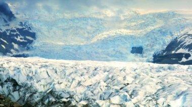 Time-lapse clouds over harsh ice landscape of Vatnajokull glacier, Iceland — Stock Video