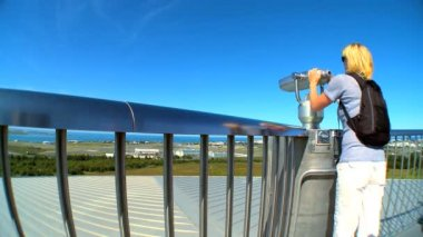 Female visitor on the observation deck of Pearl Museum, Iceland — Stock Video
