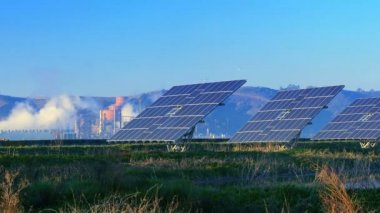 Solar Power Plant — Stock Video