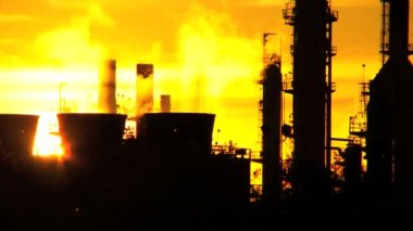 Oil Refinery Environmental Pollution — Stock Video