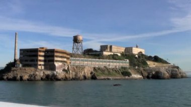Point-of-View Passing Alcatraz Prison, San Francisco — Stock Video