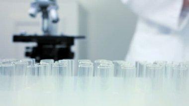 Laboratório de investigação médica — Vídeo Stock