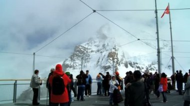 Visitors to Jungfraujoch, Swiss Alps — Stock Video