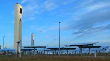 Time-lapse Moving Solar Energy Panels — Stock Video