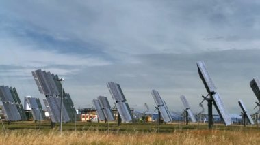 Suns Rays on Solar Energy Panels — Stock Video