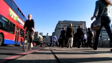City Commuters & Buses — Stock Video
