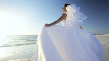Wedding Dress Blowing in the Breeze — Stock Video