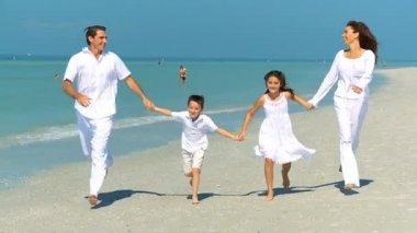 Happy Family Vacation Fun — Stock Video