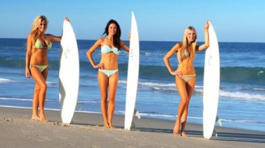 Beach Girls Modelling with Surfboards — Vídeo Stock