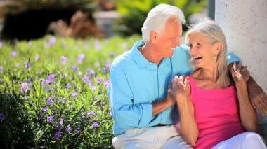 Retired Couple Enjoying Leisure Time — Stock Video