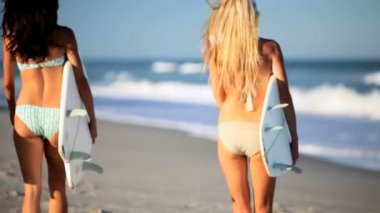 Girls Healthy Surfing Lifestyle — Stock Video