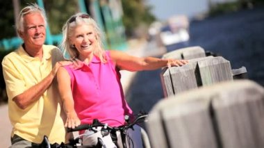 Active Leisure in Retirement — Stok video