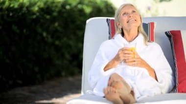 Pampering for Senior Lady — Vídeo de stock