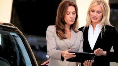 Ambitious Businesswomen & Wireless Technology — Stock Video