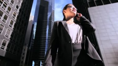Businesswoman in NYC Financial District — Stock Video