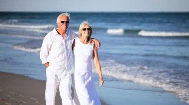 Happy Healthy Senior Couple — Stock Video