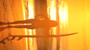 Sunrise Surf Girl — Stock Video