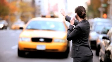 Businesswoman Hailing a Cab — Stock Video