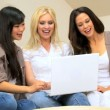 Royalty-Free Stock Immagine Vettoriale: Girls Using Laptop for Social Networking