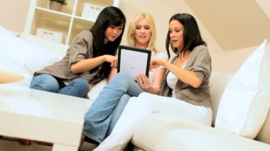 Three Girlfriends With Wireless Tablet — Stock Video