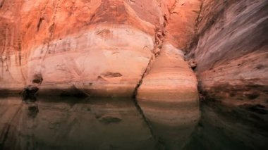 Sandstone Cliff Canyons of Lake Powell — Stock Video