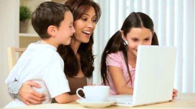 Good News for Family on Laptop — Stock Video