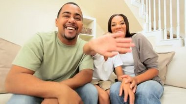 Ethnic Family Using Interactive Technology — Stock Video