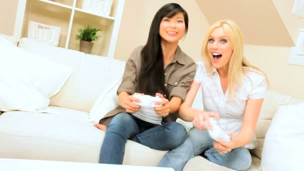 Multi-Ethnic Female Friends Playing Electronic Games — Vidéo