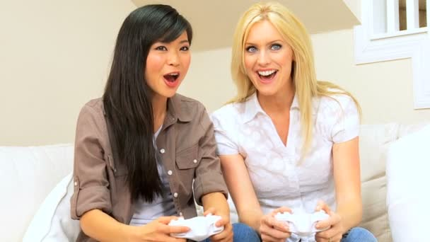 Girlfriends Using Games Console — Vidéo