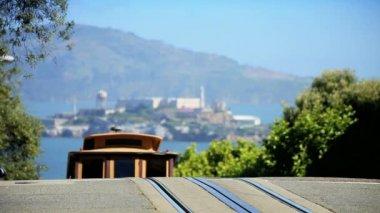 Cable Car & Alcatraz in San Francisco — Stock Video