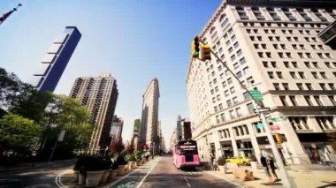 Point of View driving Flatiron Building, Manhattan, NY, USA — Stock Video