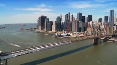 Aerial view of Manhattan, Financial District and Brooklyn Bridge, NY,USA — Stock Video