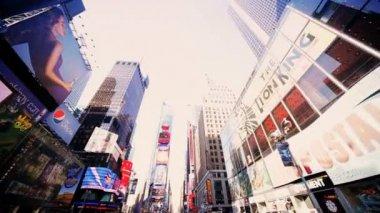 Ponto de vista de condução em manhattan times square, nova york, américa do norte, eua — Vídeo stock