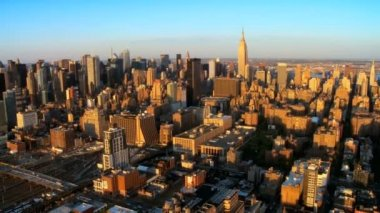 Aerial view of Downtown Manhattan at Sunset, NY, USA — Stock Video