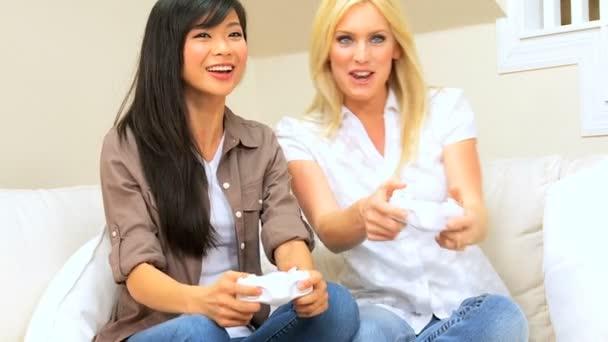 Multi-Ethnic Females Playing Electronic Games — Vidéo