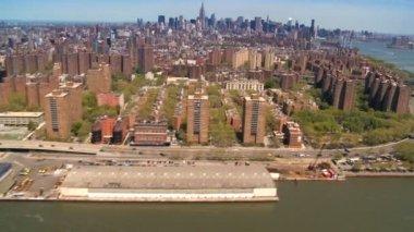 ミッドタウンとダウンタウン マンハッタン、ハドソン川、ニューヨーク、アメリカ合衆国の航空写真ビュー — ストックビデオ