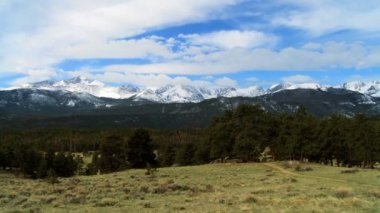 Time-lapse Clouds Over Rockies National Park — Stock Video