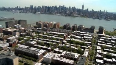 Aerial view of the Financial District Manhattan from Brooklyn, NY, USA — Stock Video