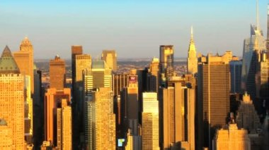 Aerial view of Mid Town Manhattan at Sunset New York, America — Stock Video