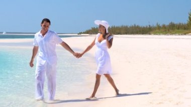 Happy Couple on Secluded Tropical Island — Stock Video