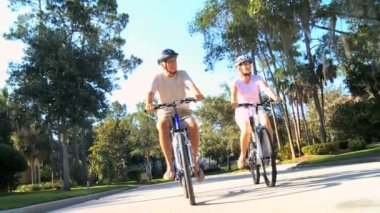 Senior Couple Keeping Fit by Cycling — Stock Video