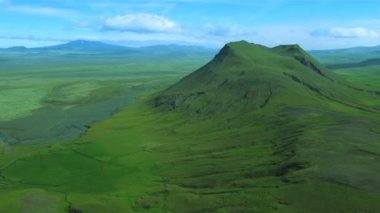 Aerial View of Dormant Volcanoes & Fertile Land, Iceland — Stock Video