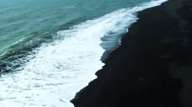 Aerial View of Crashing Waves on Volcanic Ash Beach, Iceland — Stock Video