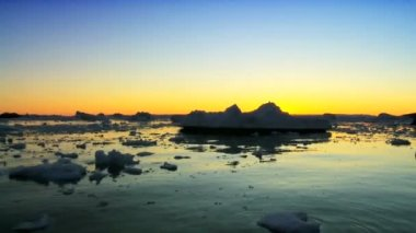 Sunset Over Arctic Glaciers — Stock Video