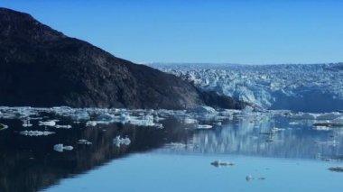 Large Glacier Disko Bay, Greenland — Stock Video