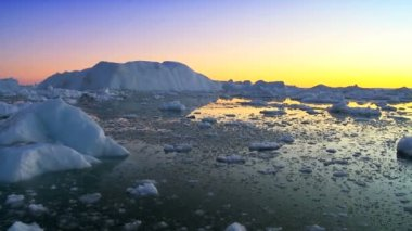 Sun Setting over Glacier Ice — 图库视频影像